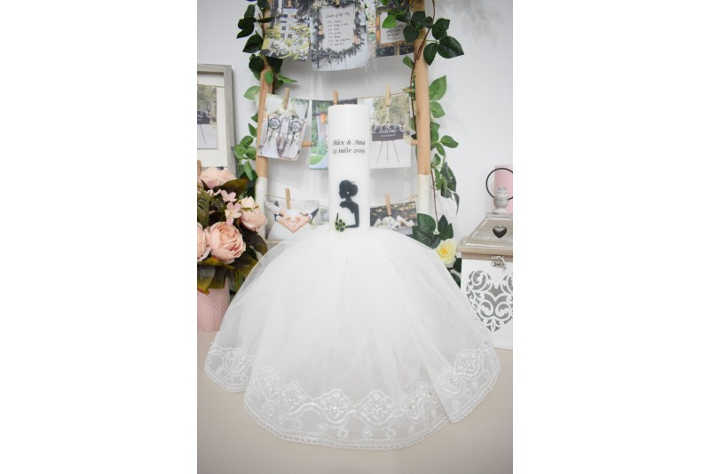 Lumanari nunta cu mire si mireasa cu rochita si buchet bleumarin